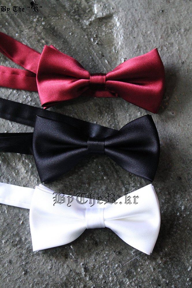 Basic silk bow tie