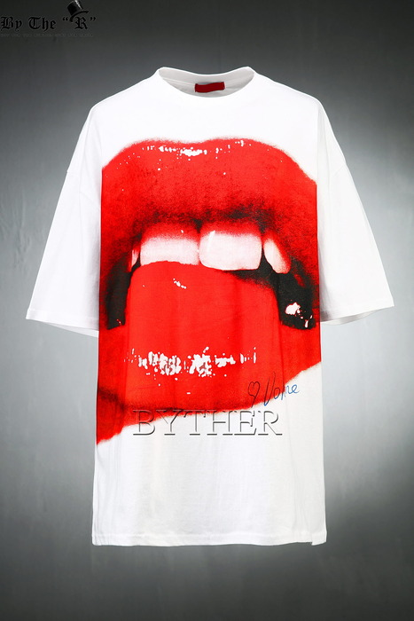 Lip Graphic Over-fit T-shirts