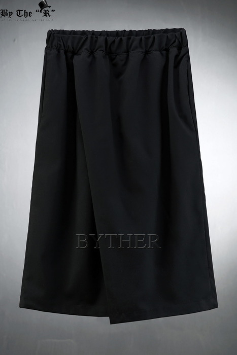 ByTheR TR Diagonal Cropped Wide Pants
