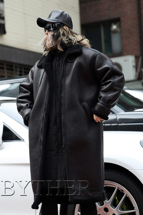 Buckle Detailed Long Shearling Jacket