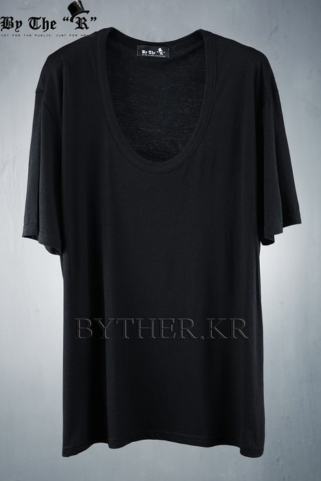 ByTheR Loose Fit U Neck Line Cotton T-shirt