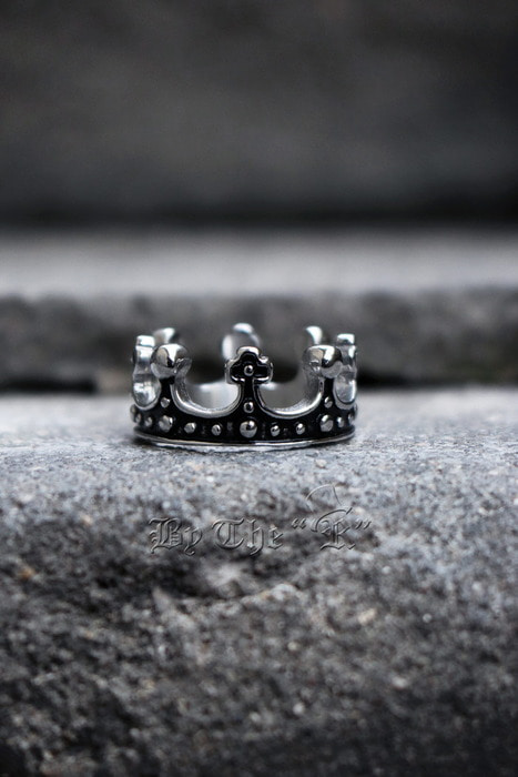 Kings Crown Metal Ring
