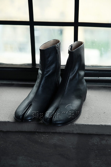 Handmade Leather Tabi Boots