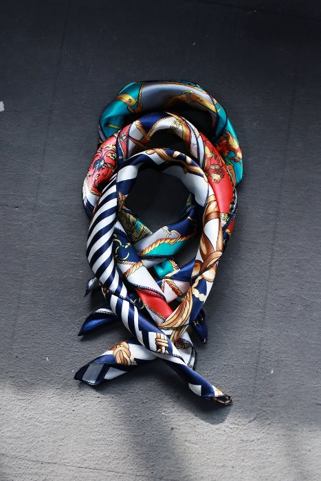 ByTheR Bright Color Luxury Pattern Mini Scarf