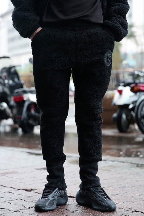 ByTheR Skull Logo Patch Fleece Jogger Pants