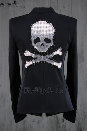 ByTheR Custom Skull Stud Luxury Slim Short Blazer