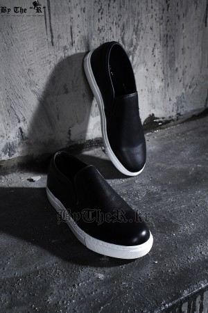 Simple Solid Slip-on Shoes