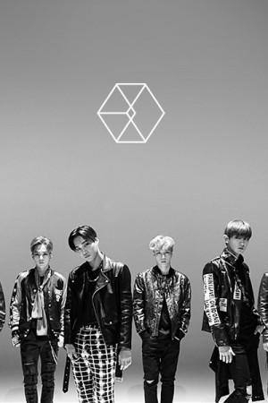 CELEBRITY (EXO-Call Me Baby M/V)