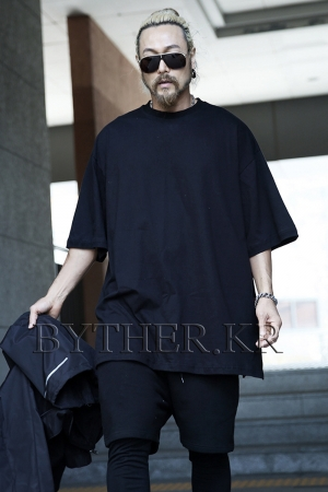 ByTheR Loose Fit Long T-shirt