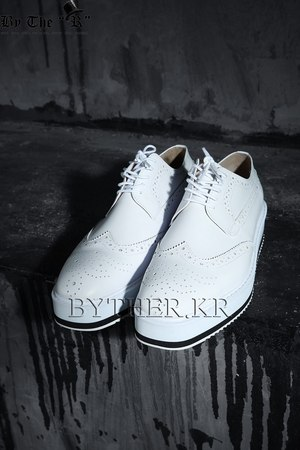 Modern Classic Classy White Wing Tip Creeper Shoes