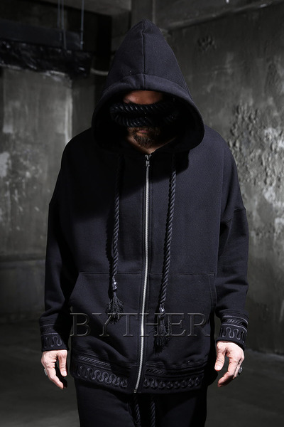 ByTheR Antique Embroidery Zip-up Hoodie