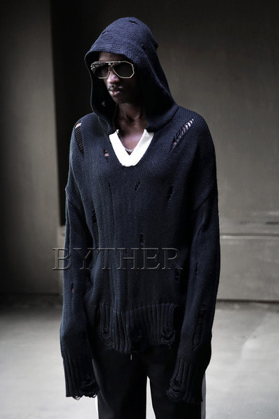 Colored Neck Damaged Knit Hoodie