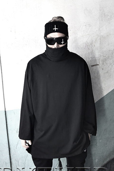 ByTheR Oversize Turtleneck T-shirt