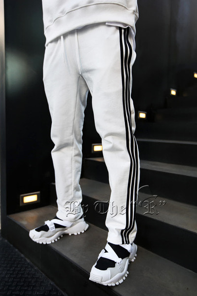 Triple Stripe Line Training Pants