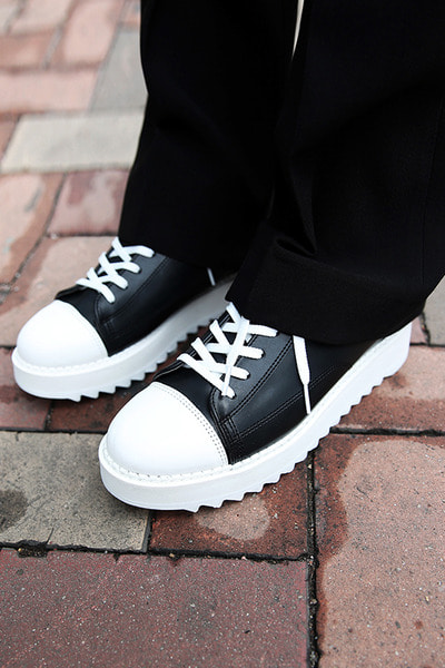 Chunky Sole Shark teeth Sneakers