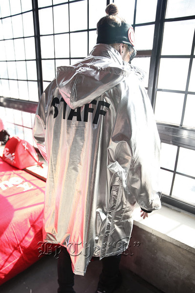 ByTheR STAFF Lettering Metallic Overcoat