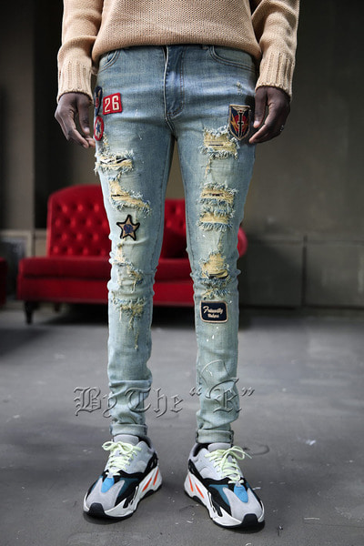 Vintage Patch Destroyed Jeans