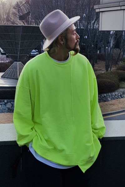 Neon Loose Unbalanced Man-to-man T-shirt