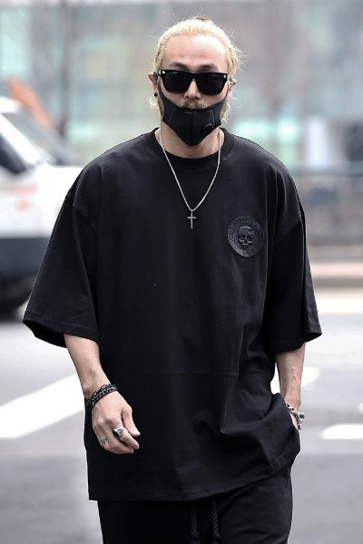 ByTheR  Skull Logo Patch Loose Fit Short Sleeve Tee