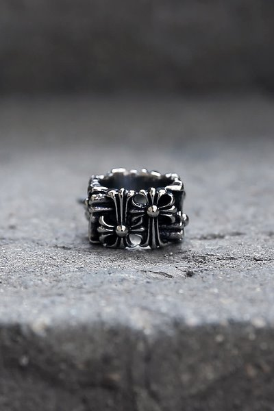 Gothic Cross Pattern Ring