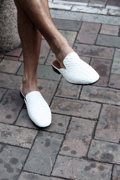Monotone Lattice Leather Mule slippers