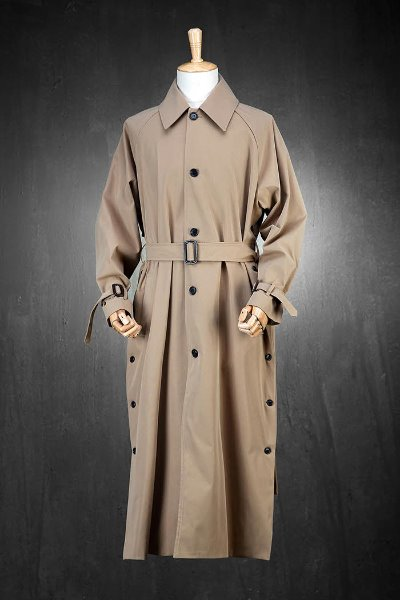 Side slit button mac long coat