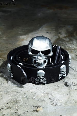 ByTheR Silky Skull Studded Belt