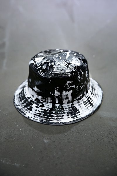 ByTheR Custom Rough Painting Bucket Hat White