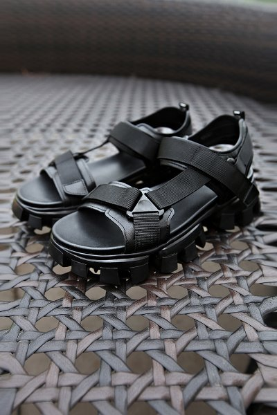 Leather Sandals with Weaved Velcro and Rubber sole